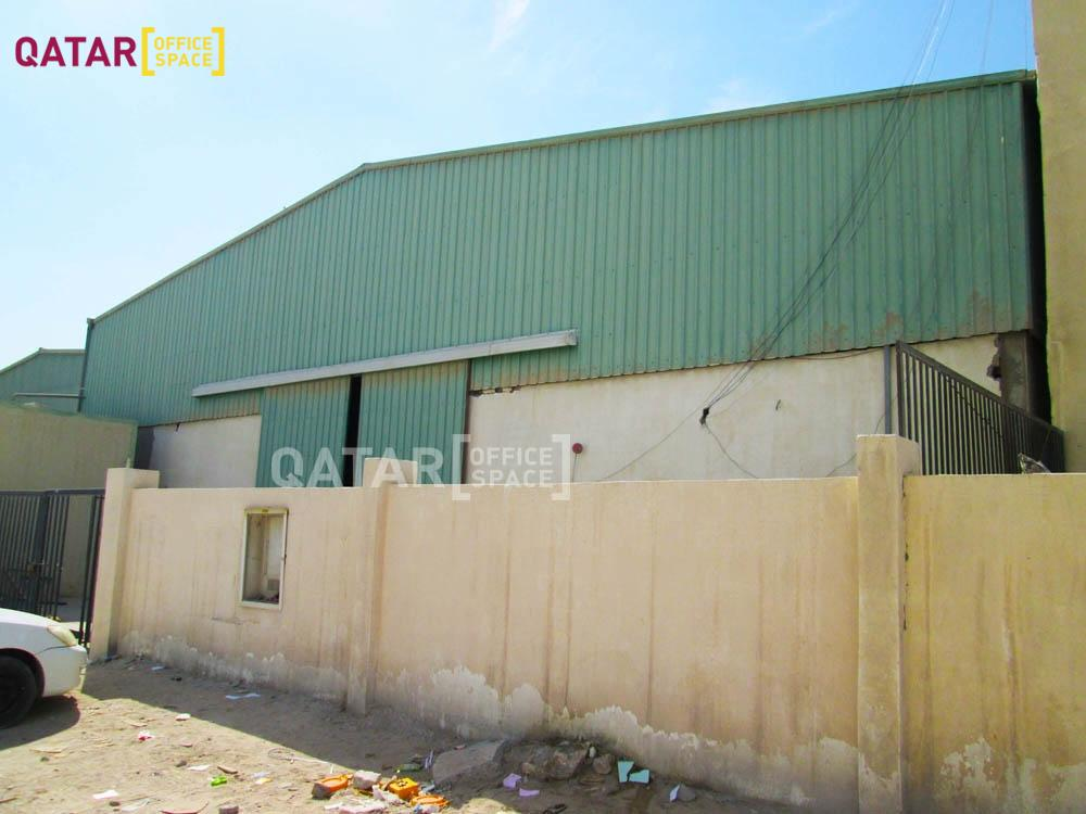 1050 SQM Warehouse with accommodation to rent in Qatar ...